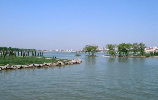 聊城垂钓基地,东昌湖游乐园,江北水上竹寨,沙滩浴场,游船码头,湖心岛