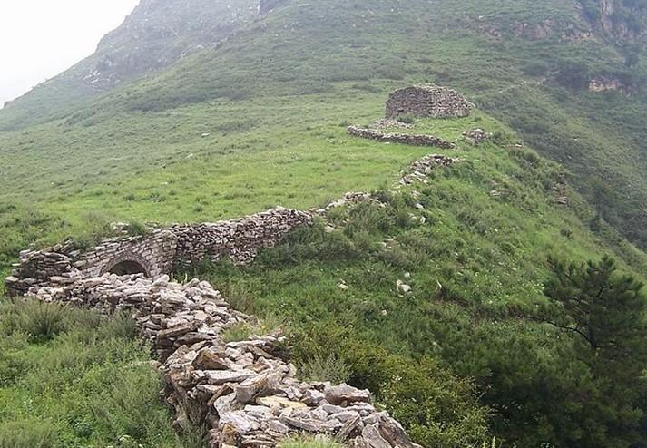 景点大全 地质奇观      紫金山风景旅游区位于邢台县白岸乡前坪村,东