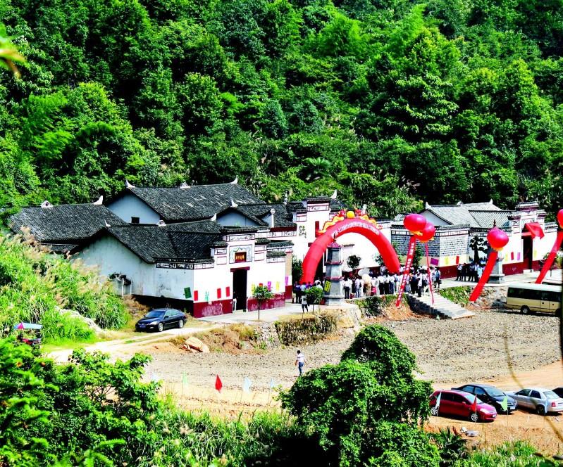 赴朝鲜内地风景名胜观光游览.