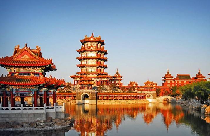 三仙山风景区位于蓬莱黄海之滨,西与八仙过海景区,三仙山温泉相毗邻