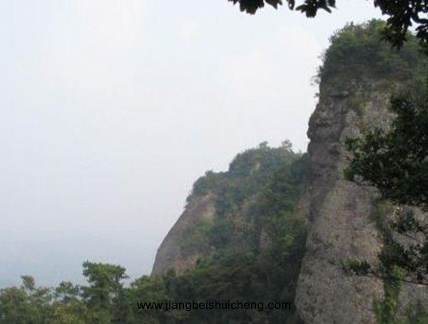 都峤山风景区是广西