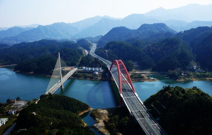 d1 南京bus抵太平湖风景区,午餐后游览天下太平城,猴鹿岛,龙窑寨
