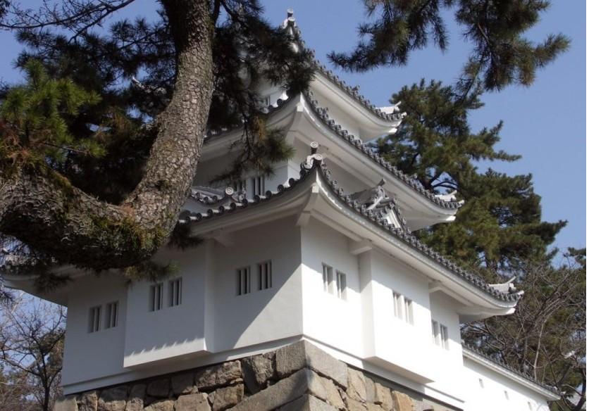 景点大全 名人故里  三重县位于日本本州岛中部,地形复杂,南北狭长