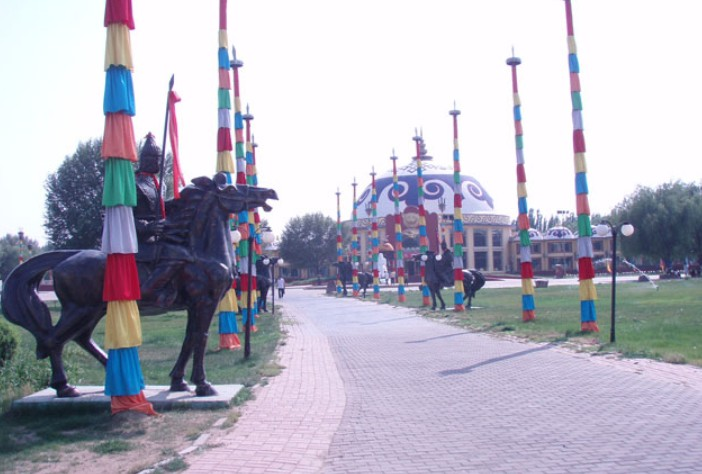 赛汗塔拉度假村位于包头市东河区和青山区之间