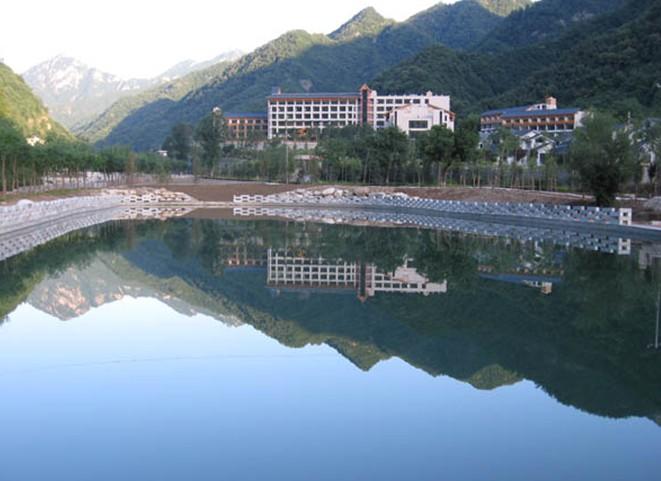 景点大全 名胜古迹  肇庆盘古山生态风景区,位于肇庆市北岭山脉,占地