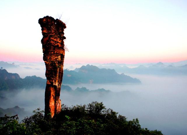 云台山风景区是(氵舞)阳河国家级风景名胜区的主要组成部分,由云台山